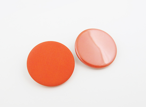 matte and glossy buttons